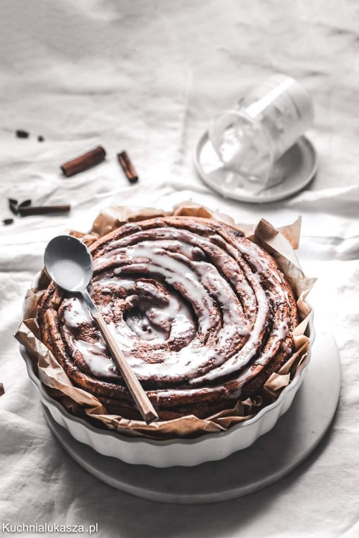 Cynamonka (giant cinnamon roll)
