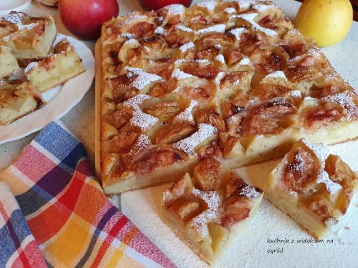 Ciasto na kefirze z jabłkami i cynamonem