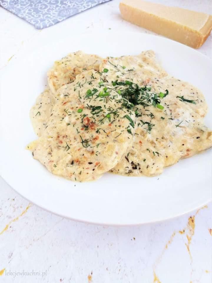 Schab w sosie serowym / Pork Chops with Cheese Sauce