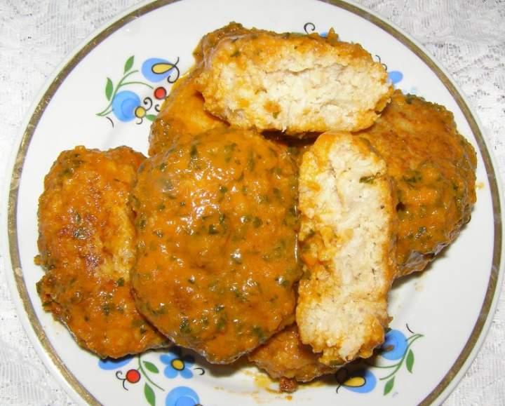 kotlety rybne z sosem pomidorowo-warzywnym…