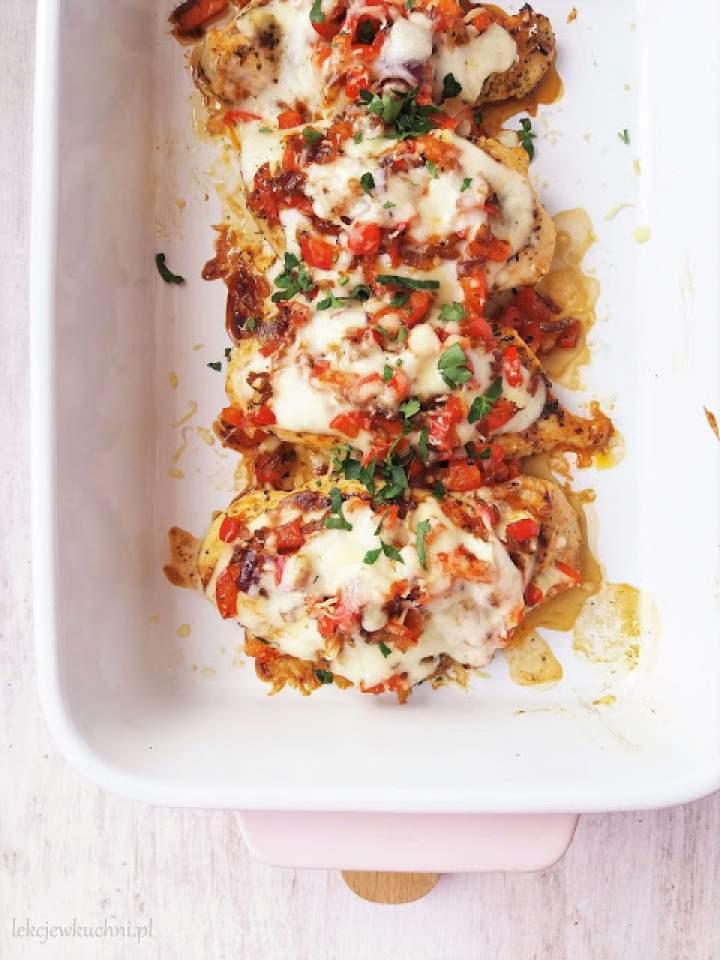 Pierś z kurczaka pod pierzynką warzywną / Baked Chicken Breast with Vegetables