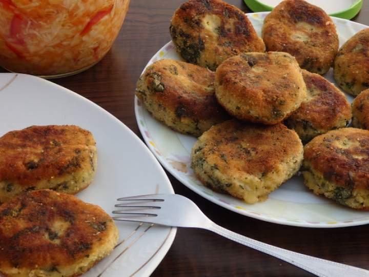 Kotlety ziemniaczane ze szpinakiem i mozzarellą