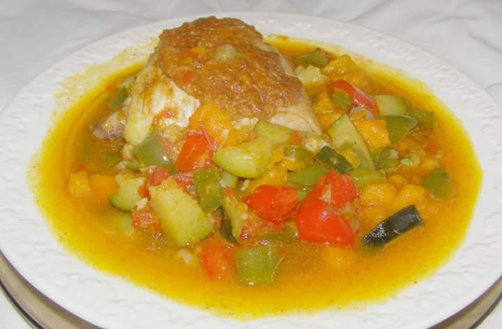 udka kurczaka w warzywach…