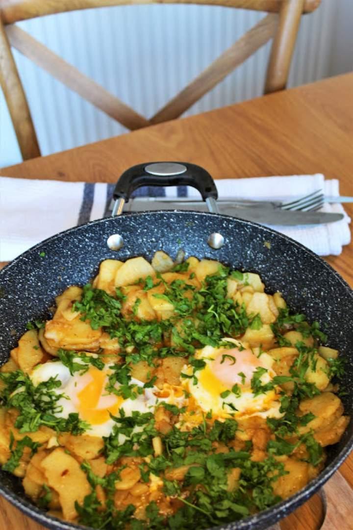 Huevos Rotos – wegetariańska tortilla z Wysp Kanaryjskich