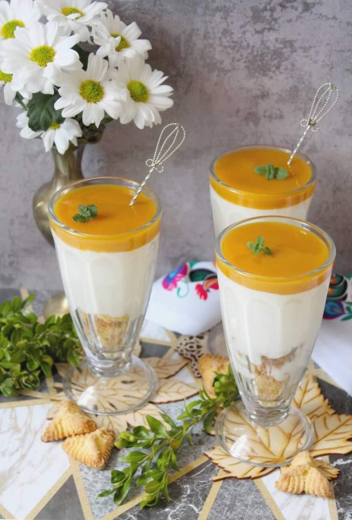 Serniki z mango – deser w pucharku