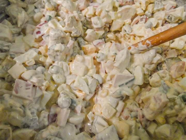 Sałatka z marynowanymi pieczarkami