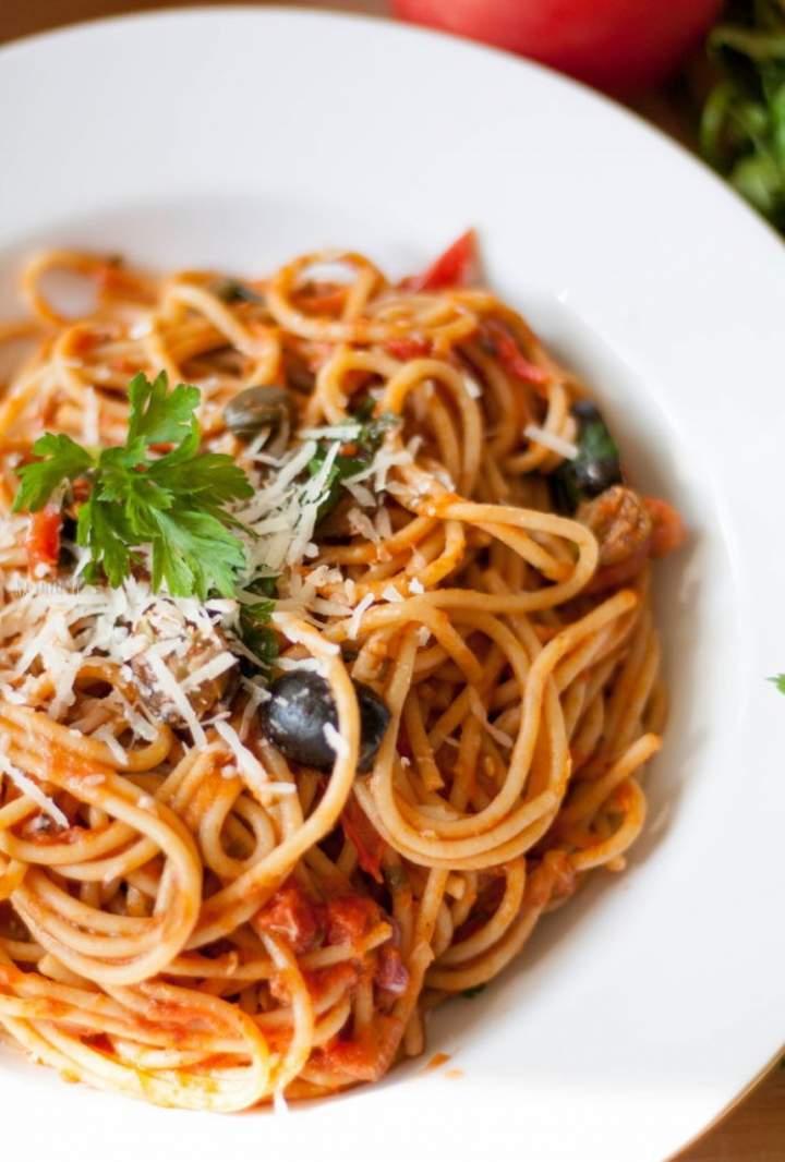 Spaghetti alla puttanesca, czyli szybki włoski obiad