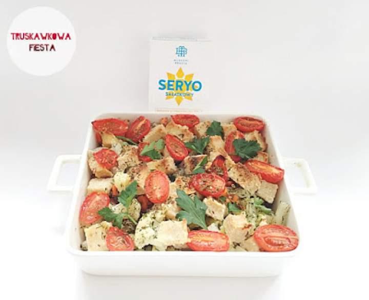Zapiekany seryo sałatkowy z kalafiorem, pomidorkami i makaronem ryżowym