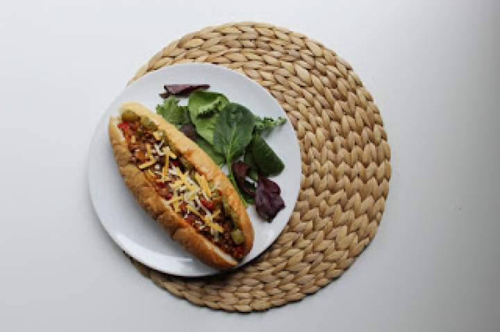 Dynamite Sandwich – pikantna kanapka na ciepło z wołowiną