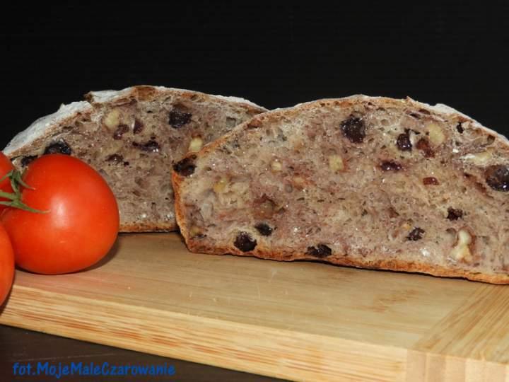 Chleb z orzechami włoskimi i rodzynkami Pan co'Santi