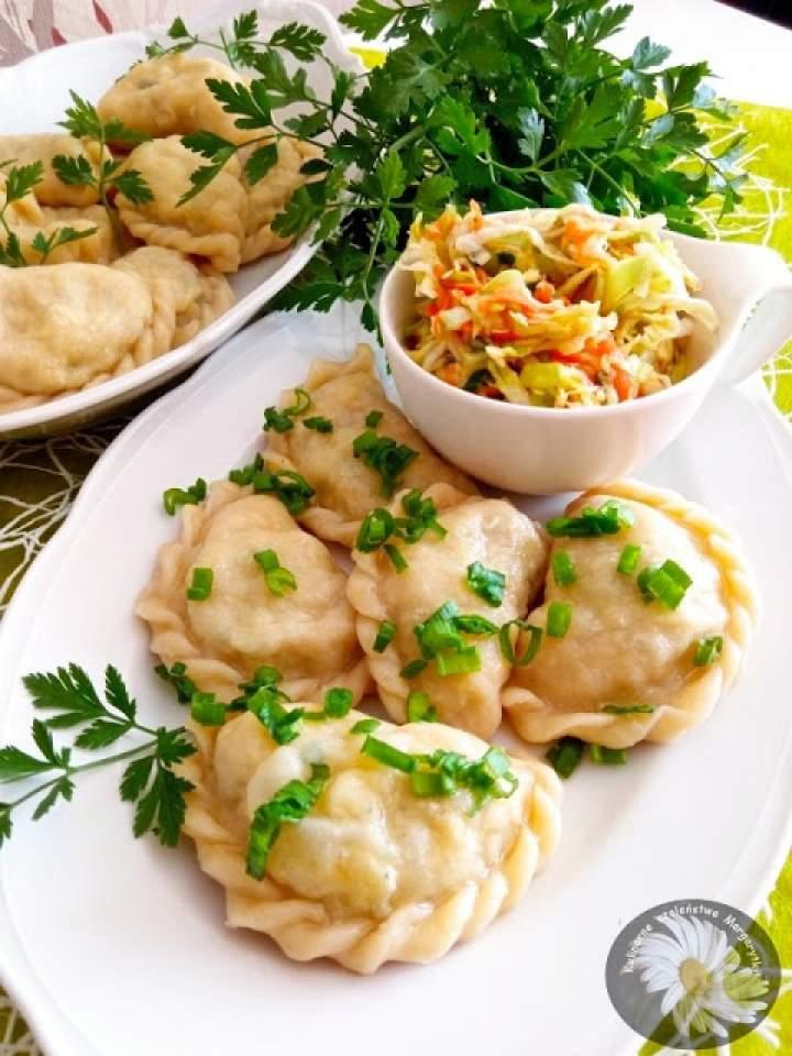 Tatarskie kartoflaniki czyli pierogi z ziemniakami i gotowanym jajkiem