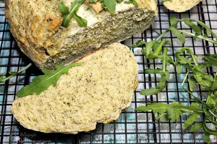 Chleb z rukolą – zero waste