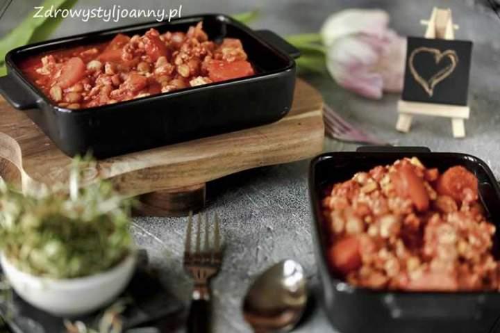 Mielone mięso z ciecierzycą i marchewką.