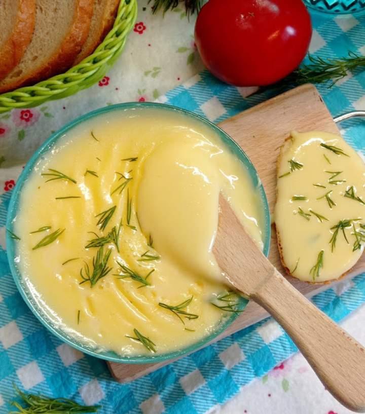 Domowy ser smażony z twarogu