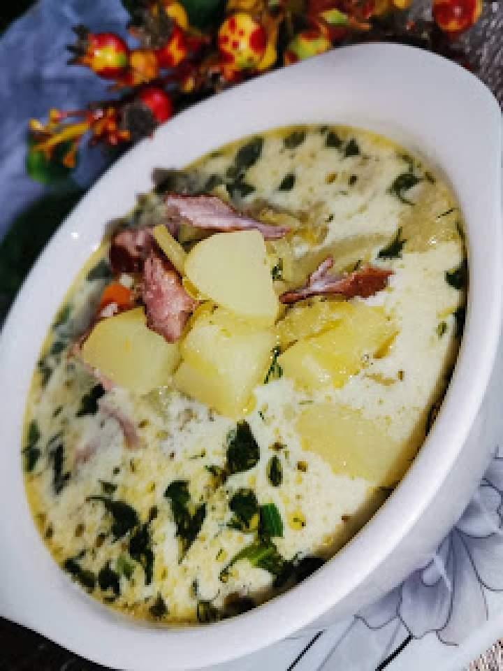 Zupa ogórkowa z brokułem