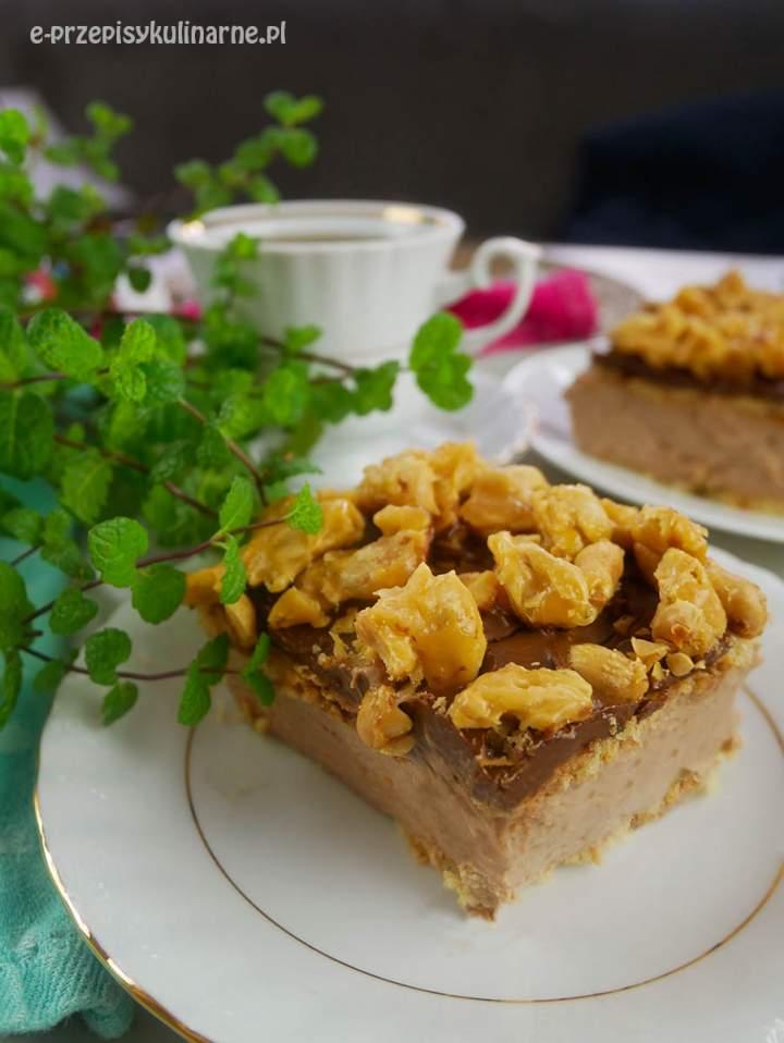 Ciasto Orzeszek Wiewióra bez pieczenia – prosty przepis na pyszny deser