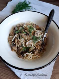 Spaghetti z sosem pieczarkowym