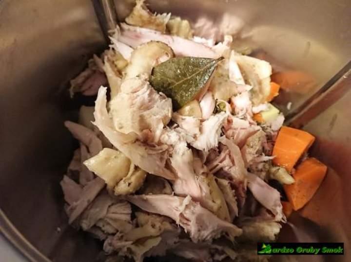 Mięsna kostka rosołowa z warzyw z rosołu