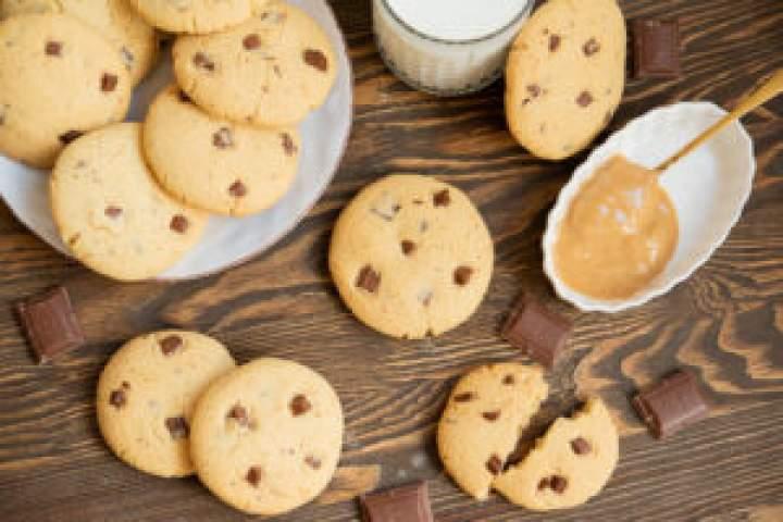 Ciasteczka z masłem orzechowym i czekoladą