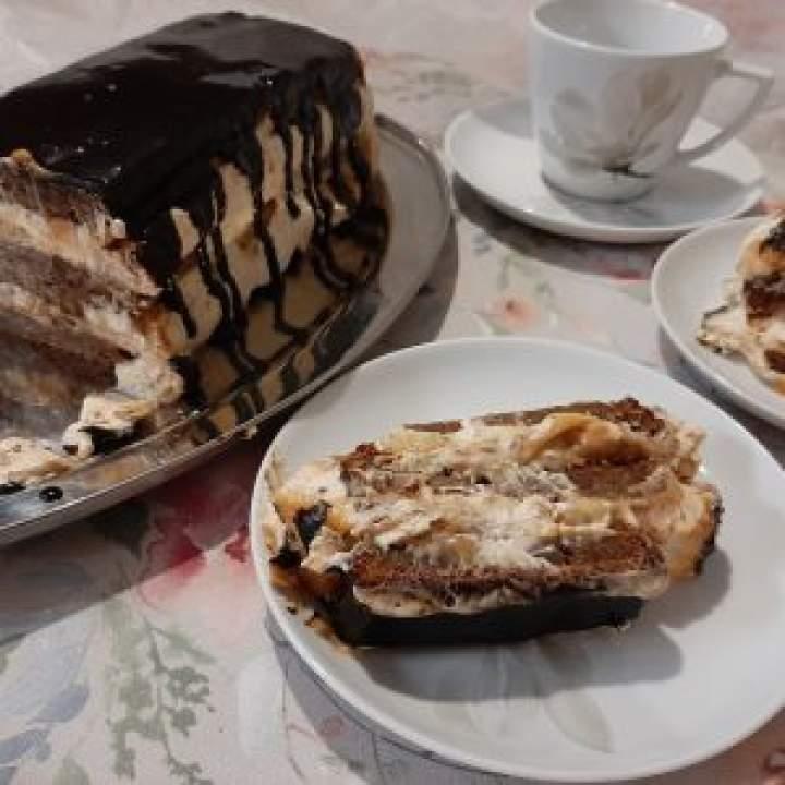 Ciasto bananowe z kajmakiem i masłem orzechowym