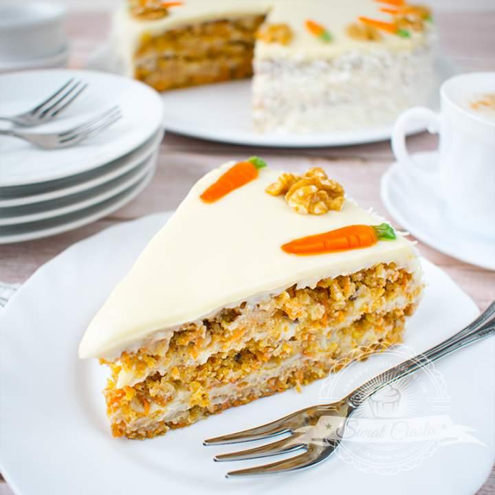 Tort marchewkowy z kremem kokosowym
