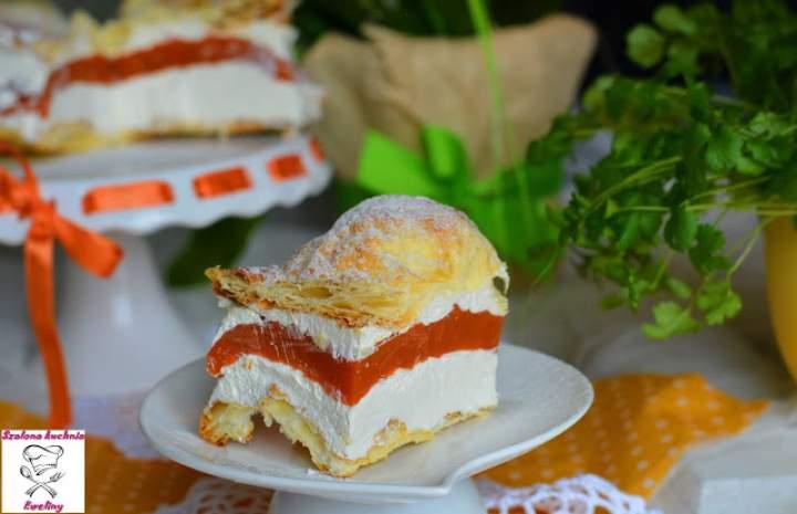 Francuska karpatka z musem brzoskwiniowo-marchewkowym