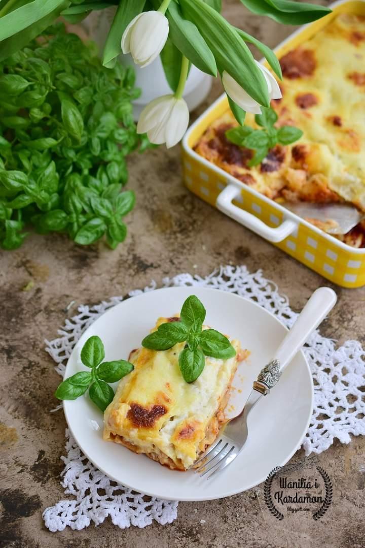 Cannelloni z mięsem mielonym pod dwoma sosami