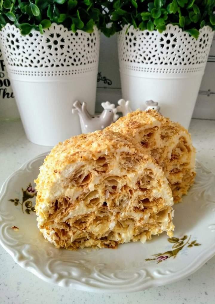 Ciasto francuskie z kremem budyniowym