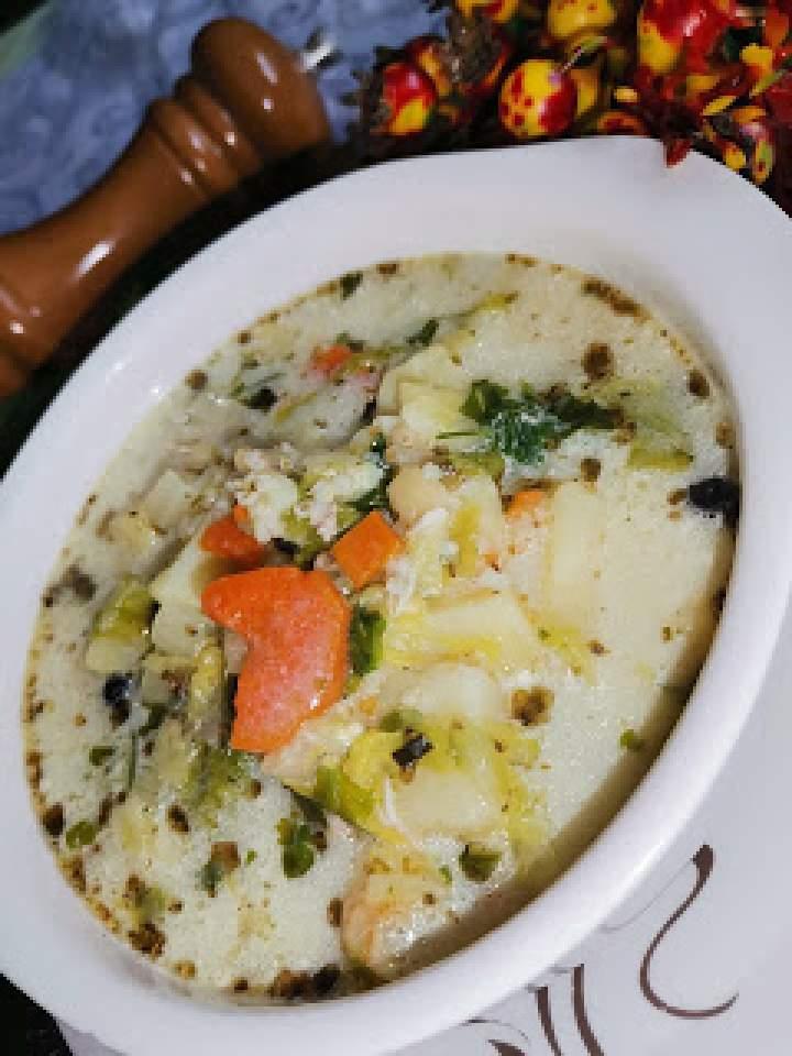 Zupa z kapusty pekińskiej.