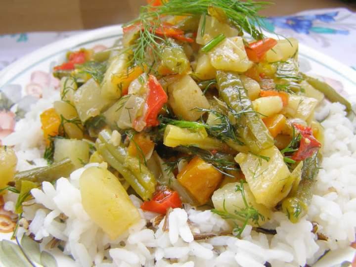 pyszny wielowarzywny gulasz z ryżem…