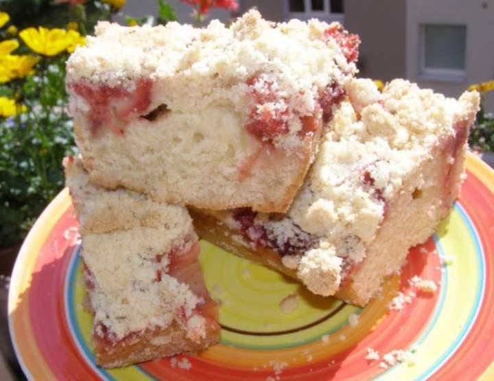 pyszne ciasto drożdżowe na suchych drożdżach z truskawkami, kruszonką…