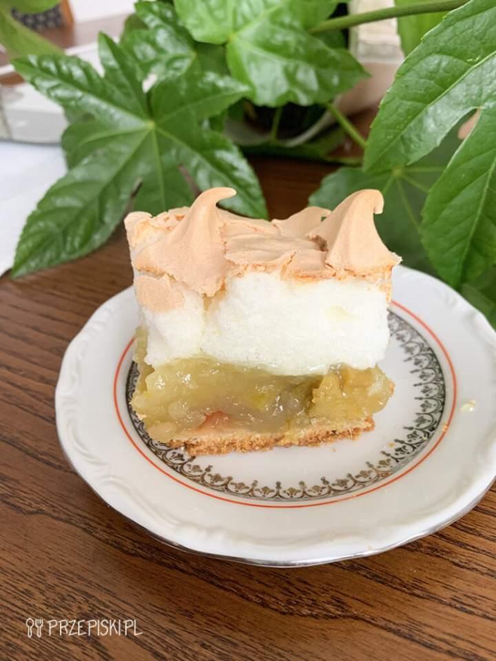 Rabarbarowy Diabełek – Ciasto z Rabarbarem