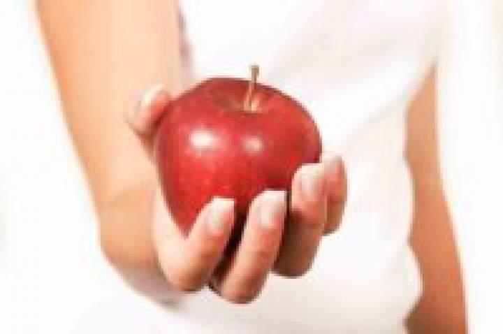 Jem jedno jabłko dziennie – co na tym zyskałam?! 10 powodów dlaczego powinniśmy jeść jabłko każdego dnia.