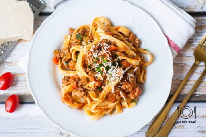 Bolognese – oryginalny przepis na sos boloński