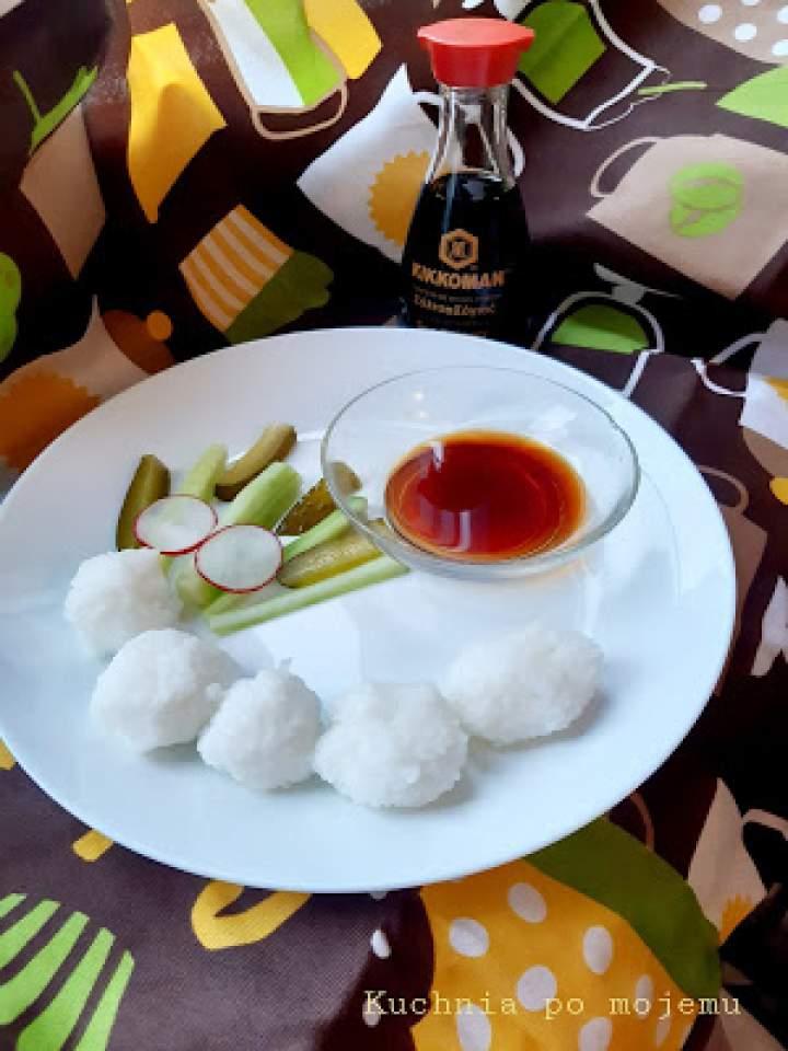 Inna kolacja dla dziecka z Kikkoman. Kulki ryżowe.