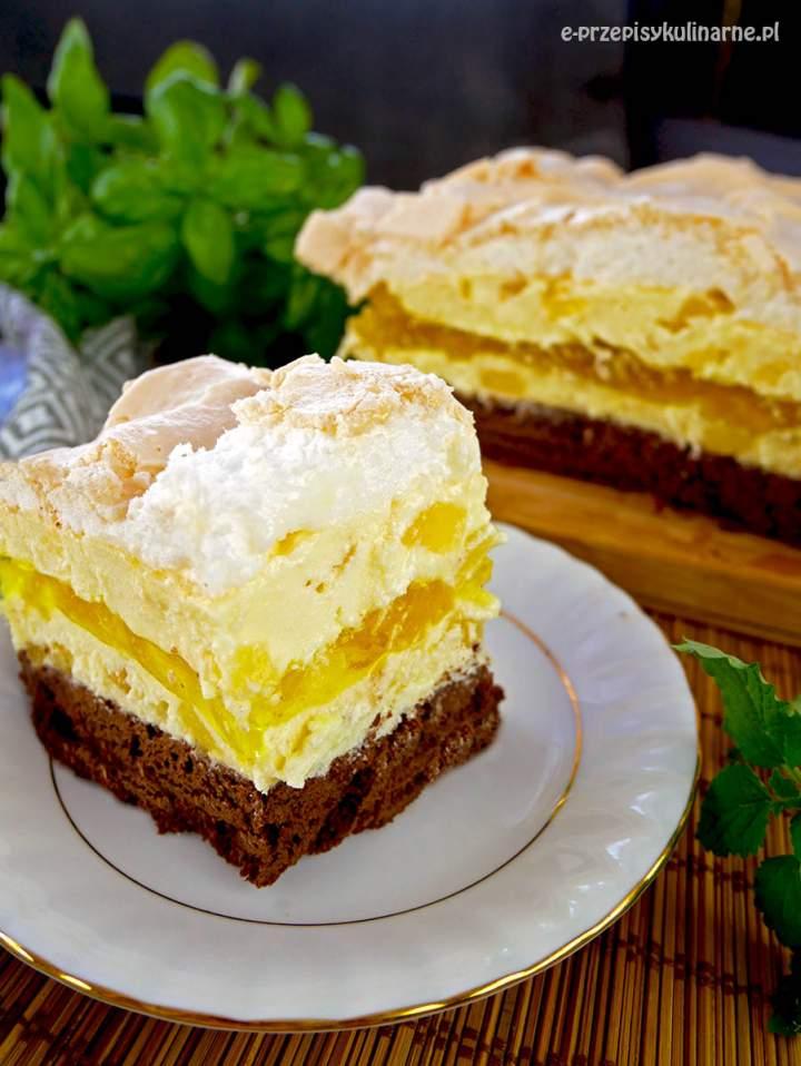 Ciasto Paź Królowej – ciasto czekoladowe z kremem ananasowym i bezą