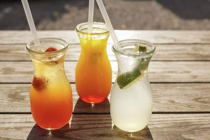 Najlepsze orzeźwiające napoje na upalne dni!