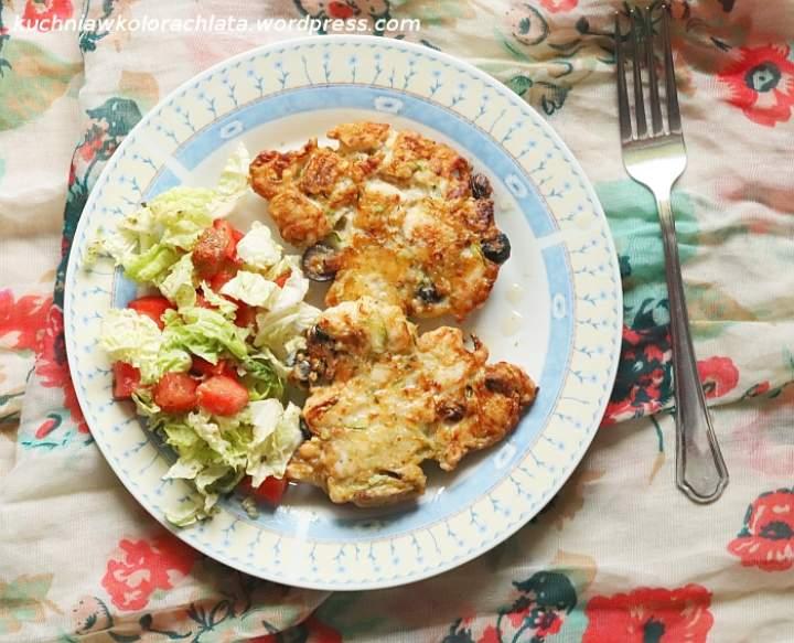 Śródziemnomorskie placuszki z kurczaka