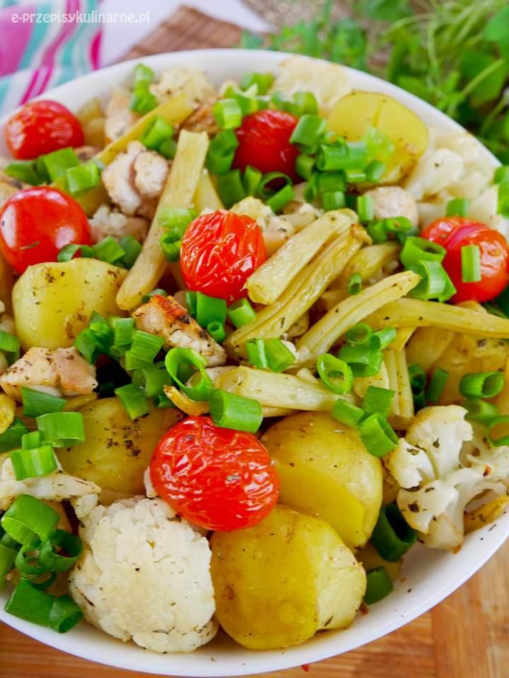 Kurczak z warzywami po prowansalsku – przepis na obiad
