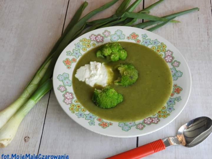 Zielona zupa z dymki z brokułem