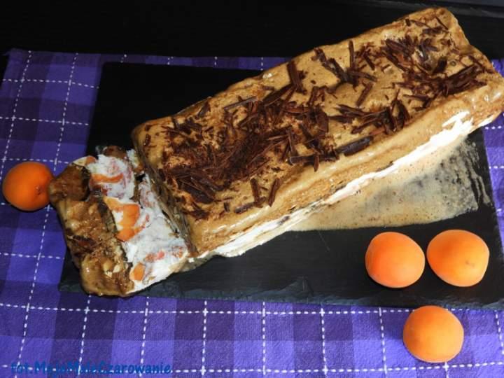 Tort lodowy trójwarstwowy