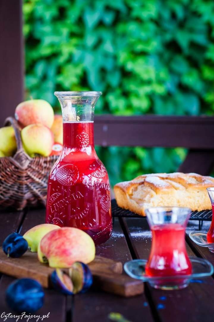 Kompot z jabłek i śliwek