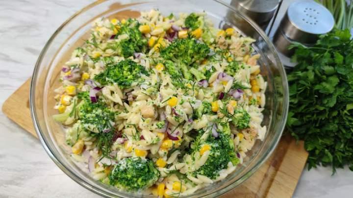 🥗🥦 Makaronowa sałatka z kurczakiem i brokułem 🥦🥗