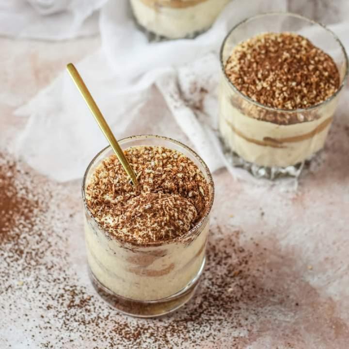 Tiramisu kokosowe w szklankach
