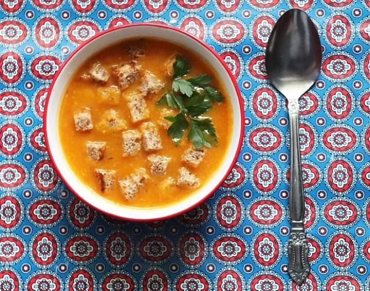 Zupa dyniowa z Ajvarem