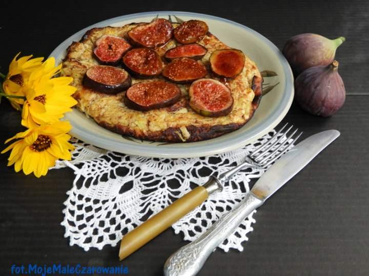 Omlet z jabłek z figami