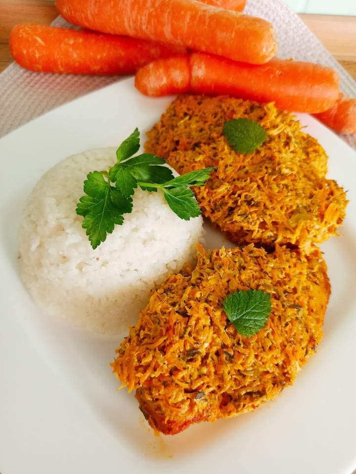 Pierś z kurczaka pod warzywną kołderką