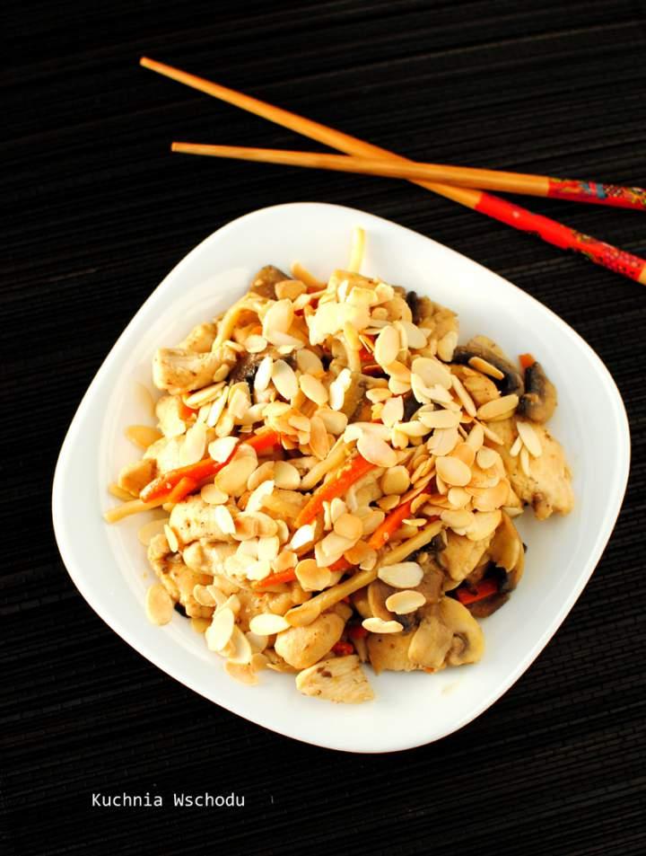 Kurczak z migdałami po chińsku