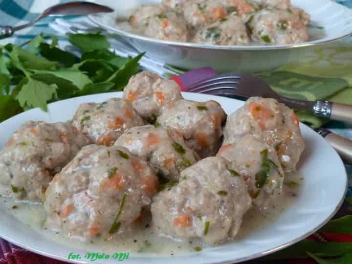 Pulpeciki lubczykowe w sosie ziołowo-pietruszkowym (wersja delikatna)