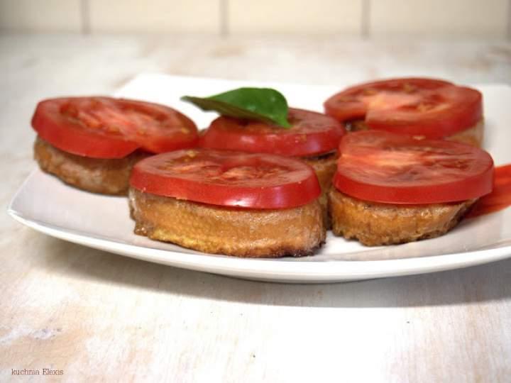 Tosty francuskie z pomidorkiem